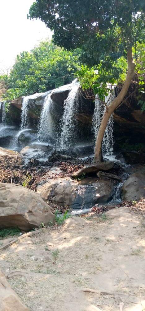 De watervallen van Kintampo