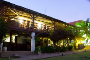 beach hotel 2